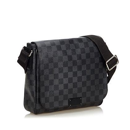 black-louis-vuitton-damier-graphite-district-pm-crossbody-bag
