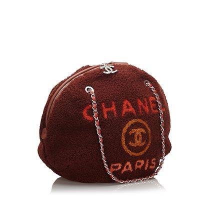 red-chanel-shearling-deauville-round-shoulder-bag