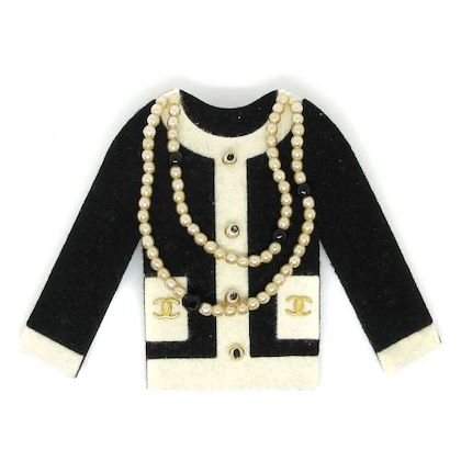 chanel-cc-logos-imitation-pearl-jacket-brooch-black