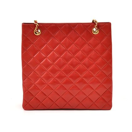 vintage-chanel-red-quilted-leather-tall-cc-logo-chain-shoulder-bag