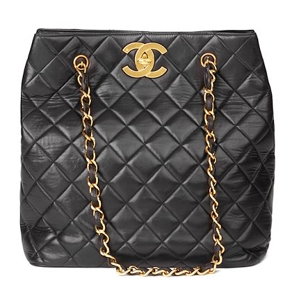 black-quilted-lambskin-vintage-classic-shoulder-bag