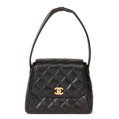 black-quilted-lambskin-vintage-classic-shoulder-bag-2