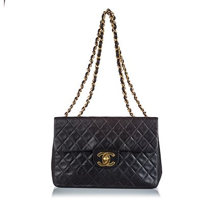 chanel-classic-maxi-lambskin-single-flap-bag