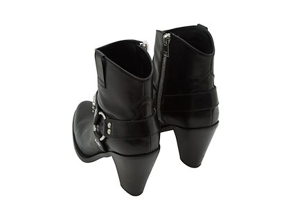 black-saint-laurent-leather-ankle-boots