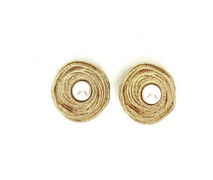 christian-dior-vintage-1980s-faux-pearl-clip-on-earrings