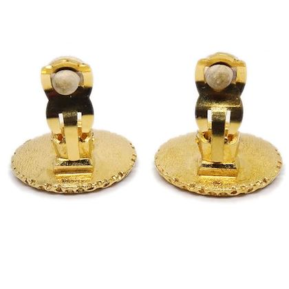 chanel-cc-logos-honeycomb-earrings-gold