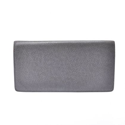 louis-vuitton-taiga-plat-the-gracie-wallet