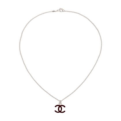 2004-chanel-logo-charm-necklace-3