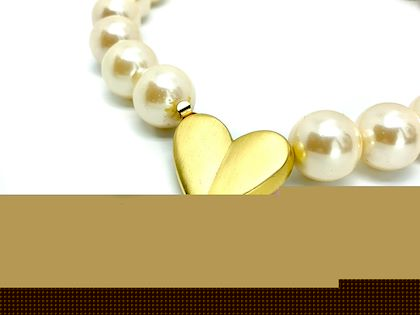 givenchy-1980s-vintage-faux-pearl-heart-choker-necklace