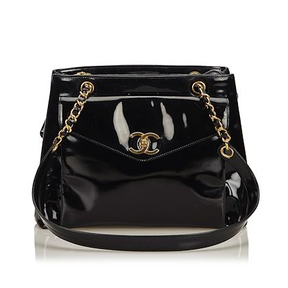 chanel-patent-leather-chain-shoulder-bag