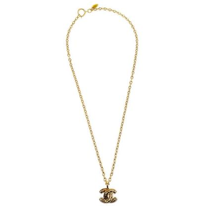 chanel-cc-logos-quilted-gold-chain-pendant-necklace-3