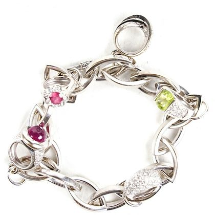 gubelin-bracelet-with-ring-charms-white-gold